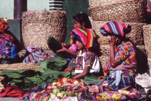 Guatémala_women on market